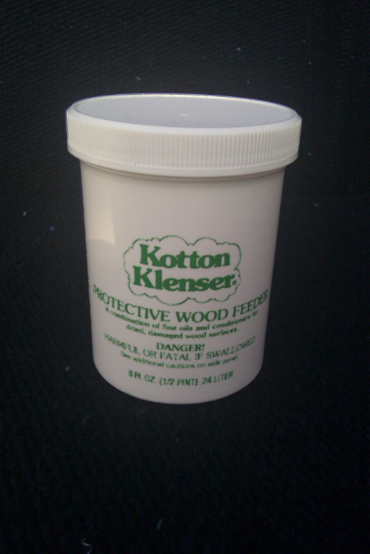 8 OUNCE PROTECTIVE WOOD FEEDER FOR RESTORING AND PROTECTING WOOD FINISHES